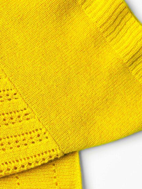 EMAAL | Ibiza Kaschmirschal – Farbe Zitrone. Verschiedenen Muster geben diesem Tuch eine leichte Hippienote.