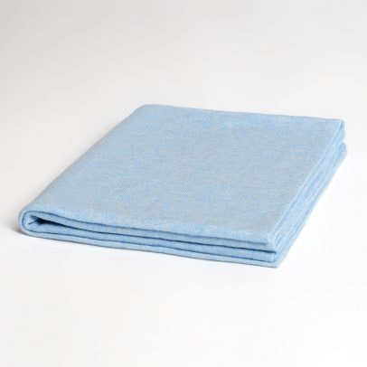 EMAAL | LONDON Folded, classic cashmere knit scarf with straight shape in color arctic blue.