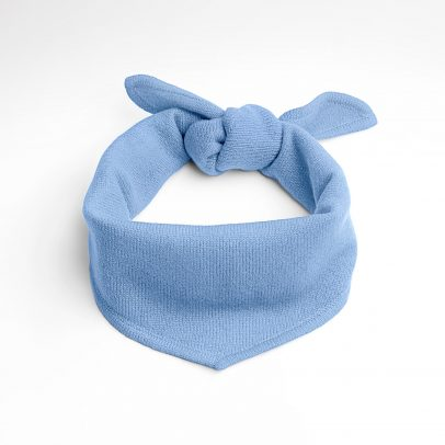 EMAAL | New York | Loosely knotted, trendy neck triangle made of cashmere in color light blue.