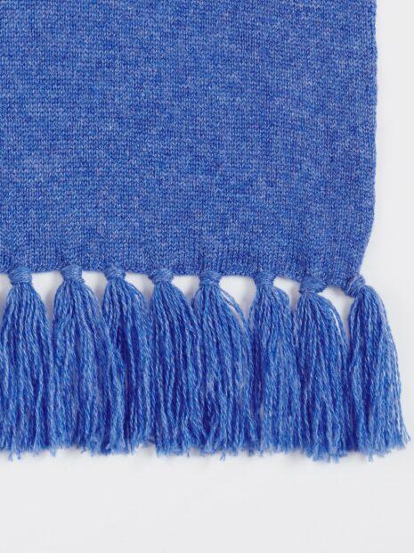 EMAAL | Milano grosser Kaschmirschal fuer Damen in der Farbe jeansblau. Mit Fransen an beiden Enden des Schals.